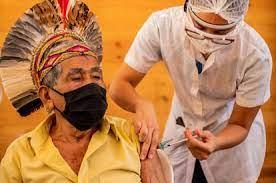 Fake news' contra vacinação: 'Chip do diabo' e medo de ser cobaia afastam  indígenas da vacina contra a covid-19 | Atualidade | EL PAÍS Brasil